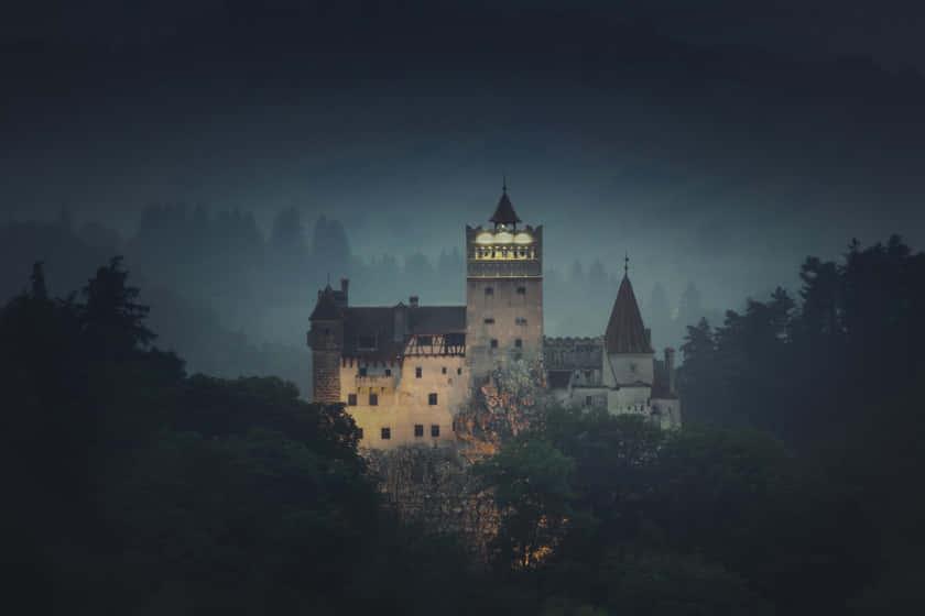 841-03518185 © Robert Harding Images / Masterfile Model Release: No Property Release: No Bran castle (Dracula castle), Bran, Transylvania, Romania, Europe