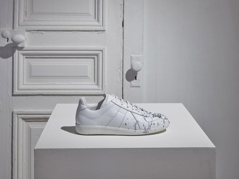 replica silver painted sneaker _ limited _ side